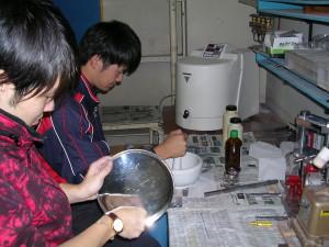素体を作ることから実験は始まる